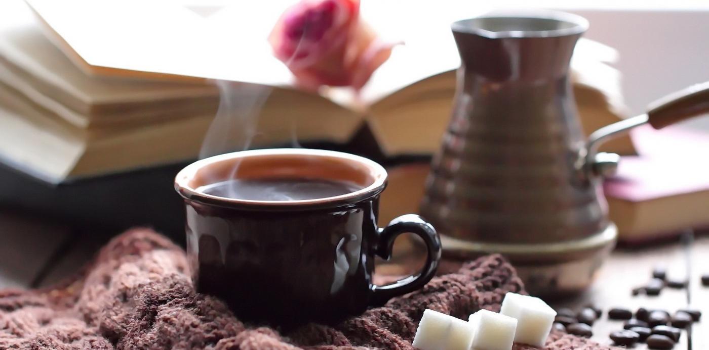 čuječno pitje kave, čuječno pitje čaja, meditacije, vodene meditacije, čuječnost, vdihni.si